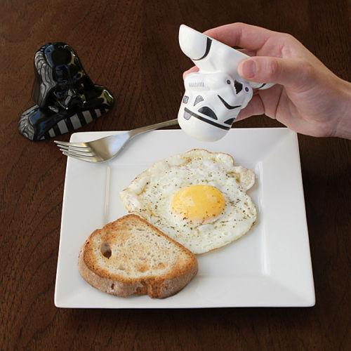 darth vader and stormtrooper egg